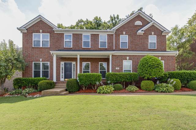724 N Wickshire Way, Brentwood, TN 37027 (MLS #RTC2179774) :: Exit Realty Music City