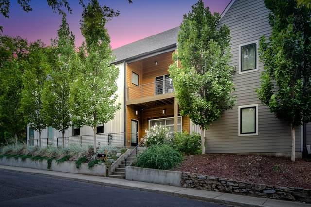 302 Coffee St, Nashville, TN 37208 (MLS #RTC2181012) :: Village Real Estate