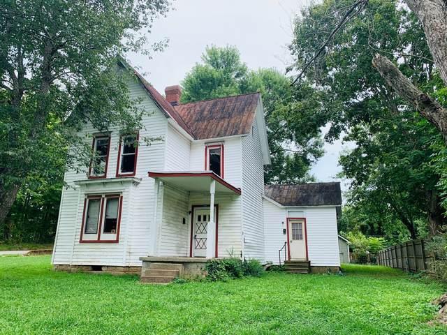 101 Bryan Ave, Dickson, TN 37055 (MLS #RTC2183449) :: Village Real Estate