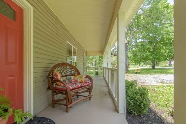 124 S 3rd St, Dickson, TN 37055 (MLS #RTC2183577) :: Village Real Estate