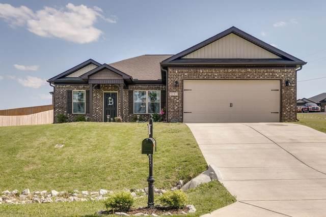 5237 Mckinnley Dr, Chapel Hill, TN 37034 (MLS #RTC2184563) :: Village Real Estate