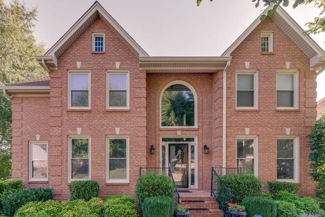114 N Country Club Dr, Hendersonville, TN 37075 (MLS #RTC2188609) :: Village Real Estate