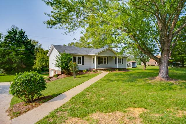 2600 Hinton Rd, Clarksville, TN 37043 (MLS #RTC2191113) :: FYKES Realty Group