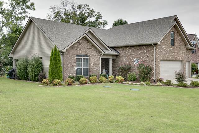 8423 Manor Farm Dr, Murfreesboro, TN 37129 (MLS #RTC2192601) :: The Helton Real Estate Group