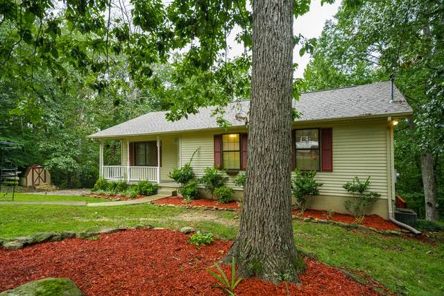 1021 Crestview Ct, Kingston Springs, TN 37082 (MLS #RTC2192857) :: The Helton Real Estate Group