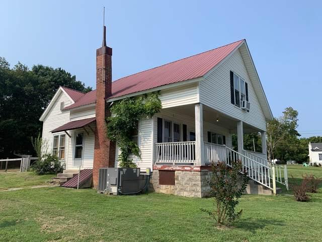601 W Walnut St W, Dickson, TN 37055 (MLS #RTC2192994) :: Village Real Estate