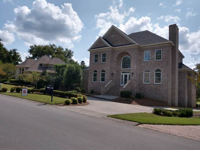 5003 Country Club Dr, Brentwood, TN 37027 (MLS #RTC2193232) :: Ashley Claire Real Estate - Benchmark Realty