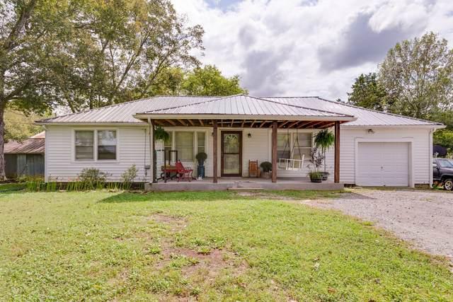 827 Wilson School Rd, Chapel Hill, TN 37034 (MLS #RTC2193323) :: Village Real Estate