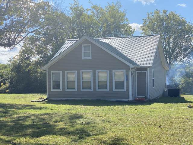 3062 Dover Rd, Woodlawn, TN 37191 (MLS #RTC2196677) :: Oak Street Group