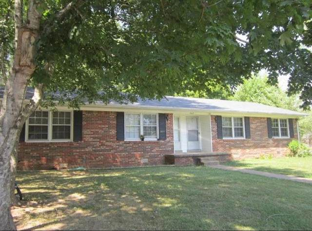 1604 Deer Hollow Drive, Lawrenceburg, TN 38464 (MLS #RTC2198212) :: Exit Realty Music City