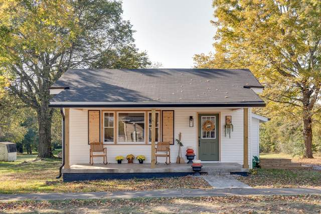 105 N Mulberry St, Cornersville, TN 37047 (MLS #RTC2200437) :: Nashville on the Move