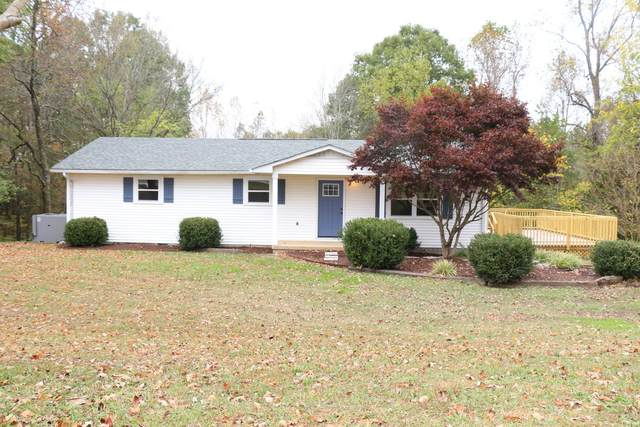 1115 W Point Rd, Lawrenceburg, TN 38464 (MLS #RTC2201945) :: Village Real Estate