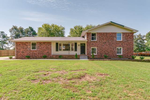 106 Briarwood Dr, Greenbrier, TN 37073 (MLS #RTC2202904) :: Morrell Property Collective | Compass RE