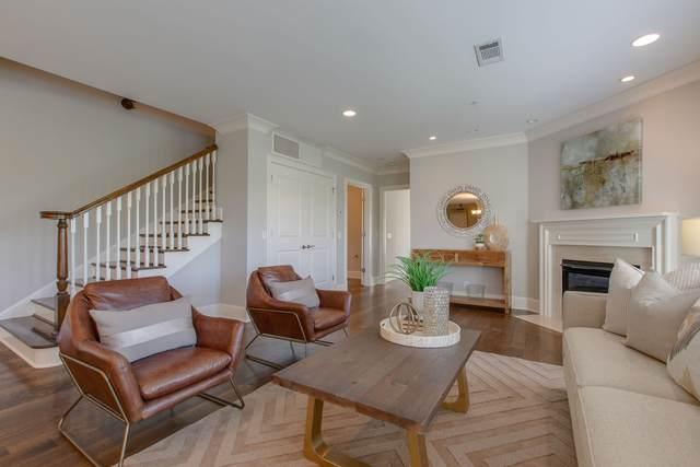 3210 W End Cir #303, Nashville, TN 37203 (MLS #RTC2204506) :: The Helton Real Estate Group