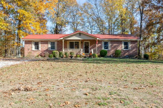 110 Oakwood Cir, Dickson, TN 37055 (MLS #RTC2205618) :: The Huffaker Group of Keller Williams