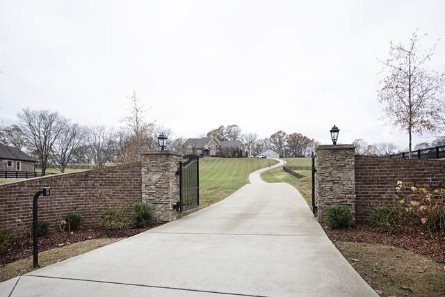 1445 Upper Station Camp Creek, Cottontown, TN 37048 (MLS #RTC2206476) :: The Huffaker Group of Keller Williams
