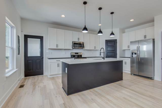 1007 Neelys Bend Rd, Madison, TN 37115 (MLS #RTC2208957) :: Village Real Estate