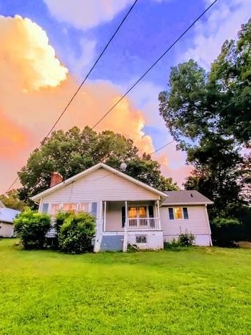 3045 Vanleer Hwy, Charlotte, TN 37036 (MLS #RTC2209221) :: Exit Realty Music City