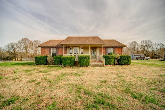 2033 Shawnee Ln, Greenbrier, TN 37073 (MLS #RTC2209492) :: DeSelms Real Estate