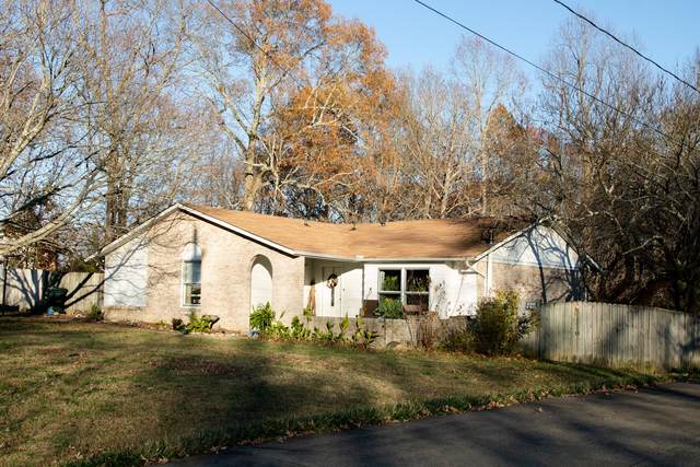 128 Robin Hood Rd, Dickson, TN 37055 (MLS #RTC2210680) :: Keller Williams Realty