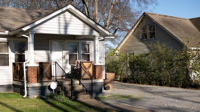 3104 Curtis St, Nashville, TN 37218 (MLS #RTC2211158) :: The Helton Real Estate Group