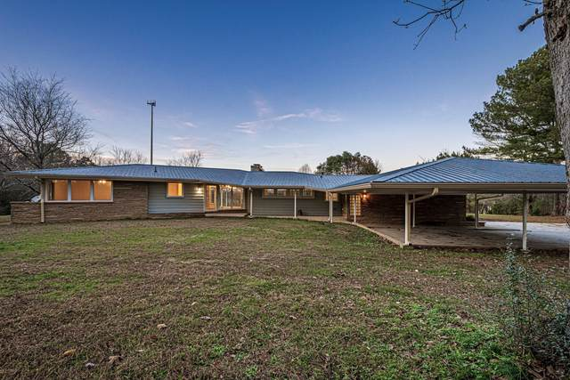 180 Hillview Dr, Lawrenceburg, TN 38464 (MLS #RTC2212401) :: Nashville on the Move