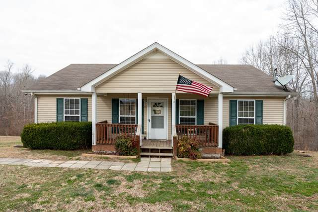 1009 Red Oak Rd, Charlotte, TN 37036 (MLS #RTC2216860) :: Village Real Estate
