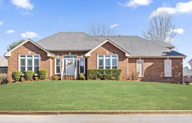 2562 Stone Briar Dr, Clarksville, TN 37043 (MLS #RTC2219435) :: Nashville on the Move