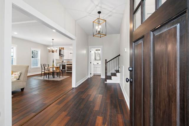 501 N Main St, Dickson, TN 37055 (MLS #RTC2220244) :: Village Real Estate