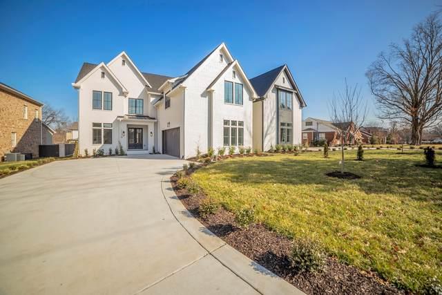 2422B Abbott Martin Rd, Nashville, TN 37215 (MLS #RTC2220258) :: Berkshire Hathaway HomeServices Woodmont Realty
