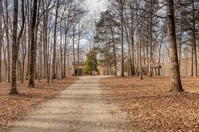 7051 Wells Cemetery Rd, Dickson, TN 37055 (MLS #RTC2222025) :: Nashville on the Move