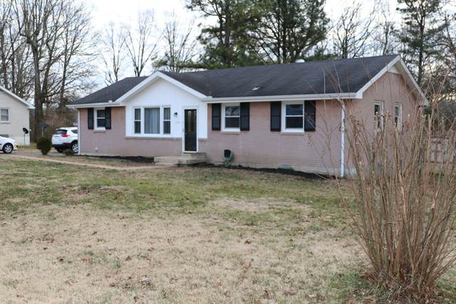 108 Oakwood Dr, Dickson, TN 37055 (MLS #RTC2222944) :: Village Real Estate