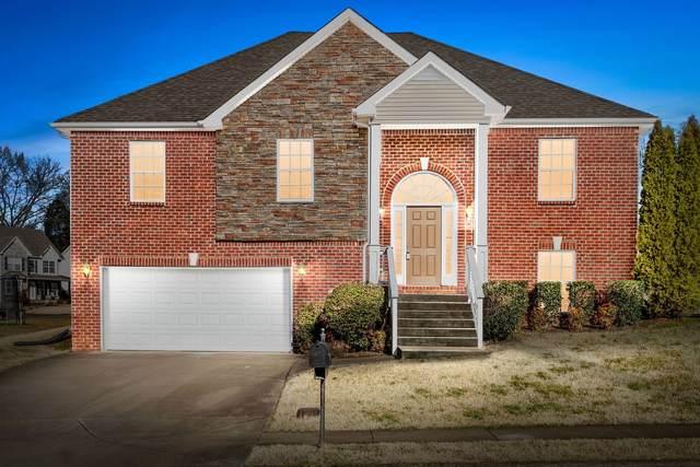 876 E Accipiter Cir, Clarksville, TN 37043 (MLS #RTC2224283) :: Live Nashville Realty