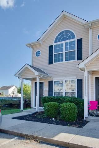 8060 Logan Dr, La Vergne, TN 37086 (MLS #RTC2225276) :: Village Real Estate