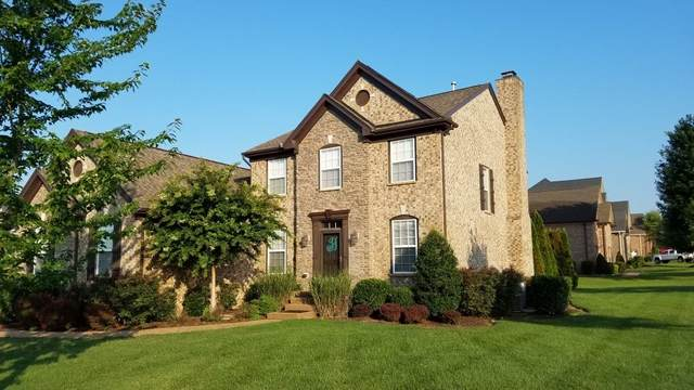 1000 Crimson Way, Hendersonville, TN 37075 (MLS #RTC2225453) :: HALO Realty