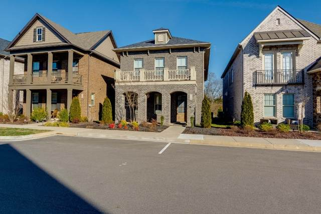 318 Cornelius Way, Hendersonville, TN 37075 (MLS #RTC2226507) :: The Adams Group