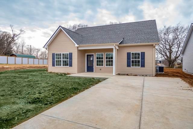 204 Miller St, Dickson, TN 37055 (MLS #RTC2228417) :: Village Real Estate