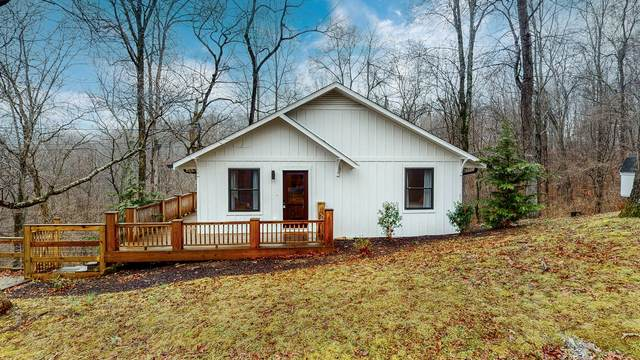 1020 Crestview Ct, Kingston Springs, TN 37082 (MLS #RTC2230092) :: Village Real Estate
