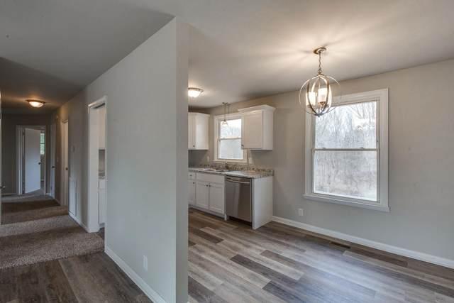 130 Robertson Ave, Greenbrier, TN 37073 (MLS #RTC2230590) :: Village Real Estate