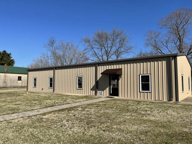 220 Hughes St, Lawrenceburg, TN 38464 (MLS #RTC2230713) :: Nashville on the Move