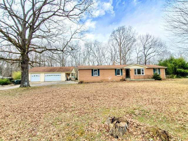 102 Meadowlark Dr, Dickson, TN 37055 (MLS #RTC2232923) :: Village Real Estate