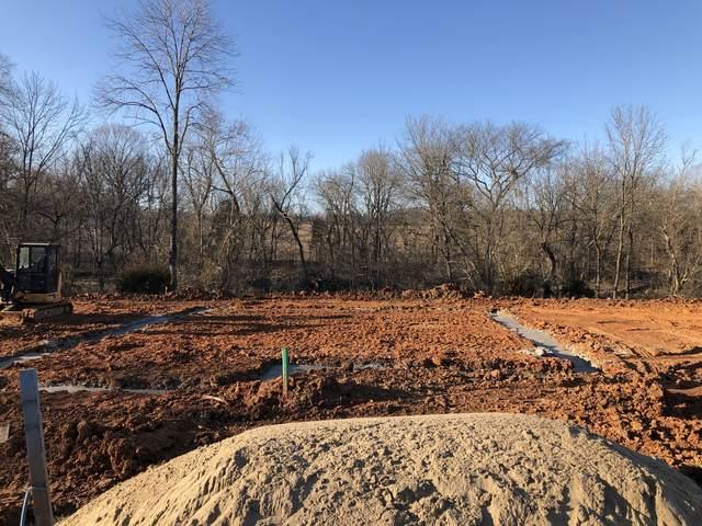 135 Chalet Hills, Clarksville, TN 37040 (MLS #RTC2232949) :: The Adams Group