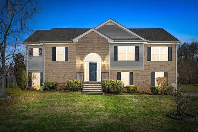 3426 N Henderson Way, Clarksville, TN 37042 (MLS #RTC2233007) :: Ashley Claire Real Estate - Benchmark Realty