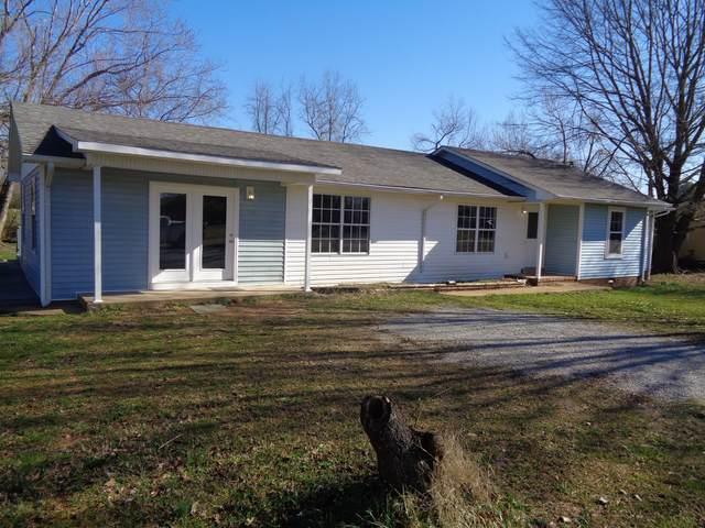522 Perry St, Lawrenceburg, TN 38464 (MLS #RTC2233514) :: Trevor W. Mitchell Real Estate
