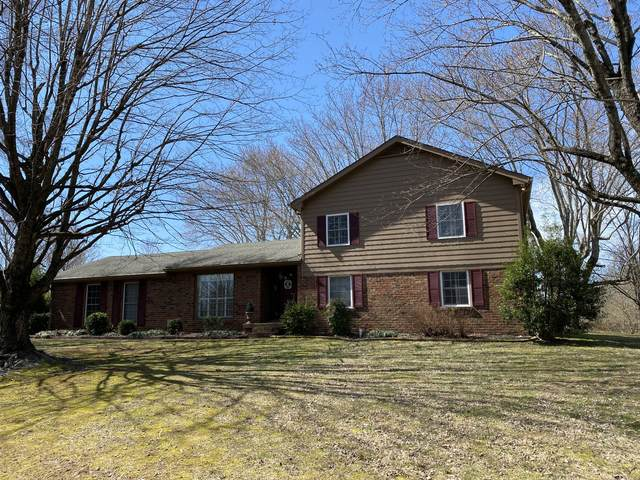 2210 Daniels Rd, Greenbrier, TN 37073 (MLS #RTC2233771) :: Village Real Estate