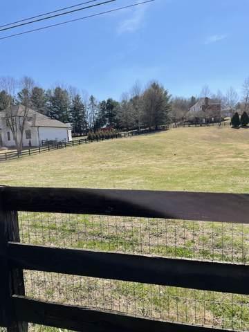 9409 Clovercroft Rd, Franklin, TN 37067 (MLS #RTC2233940) :: DeSelms Real Estate