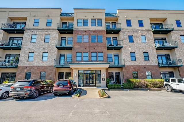 2201 8th Ave S #302, Nashville, TN 37204 (MLS #RTC2238858) :: Candice M. Van Bibber | RE/MAX Fine Homes