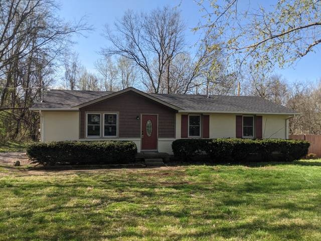 422 Faye Dr, Clarksville, TN 37040 (MLS #RTC2239182) :: Michelle Strong