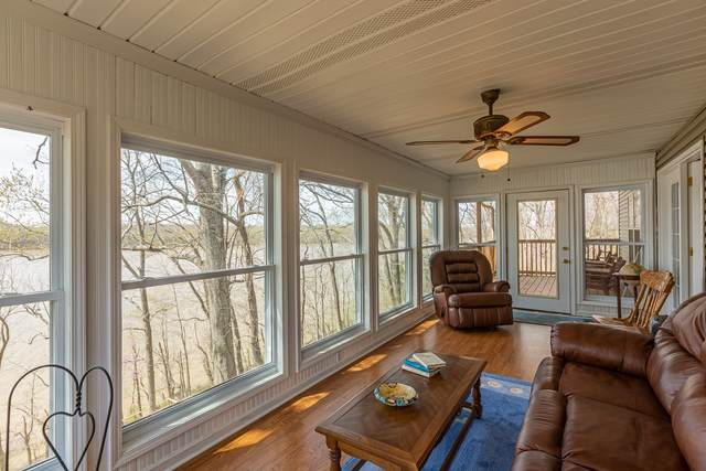 327 Hidden Valley Dr, Bumpus Mills, TN 37028 (MLS #RTC2240743) :: Movement Property Group