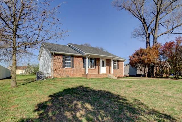 3430 Oak Lawn Dr, Clarksville, TN 37042 (MLS #RTC2241967) :: Movement Property Group